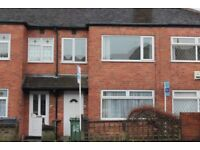 2/3 Bedroom Property with garden in Armley, LS12 (Town Street)