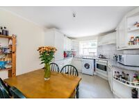 Impeccable Two Bedroom Flat Located in the Magnificent Massingberd Way - To Rent!!