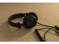 Sony MDR V500 DJ headphones