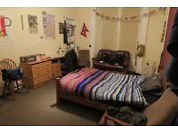 Oakfield Av. Massive Double bed Room - near Glasgow Uni