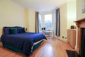 Spacious 2 Bedroom Student Flat - Greenbank Avenue