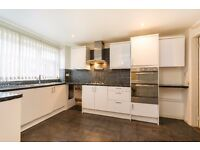 MOYSER ROAD - SW16 6SA - A SPACIOUS 3 BEDROOM FLAT IN THE HEART OF FURZEDOWN - PART DSS ACCEPTED