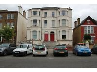 ***NO DSS***LOVELY 2 BED FLAT TO LET IN THE WEST NORWOOD VICINITY. AVAILABLE NOW