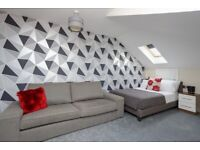 STUNNING DBL LOFT ROOM WITH BUILT-IN STORAGE- MODERN PROFESSIONAL PORTSMOUTH HOUSE-SHARE - VIEW NOW!