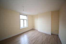 4 Bedroom Terrace to Let in Harehills £700