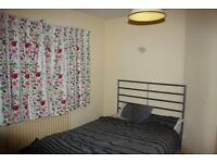 Furnished double room in a spacious semi detached house share