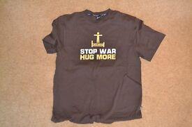 Stop War Hug More - Plain Lazy Mens Large - Excellent Condition