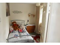 CLEAN COMFORTABLE SINGLE ROOM TO LET