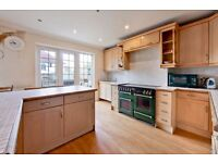 KINGS AVENUE, SW12 - A STUNNING 6 BED 3 BATH END OF TERRACED HOUSE WITH DRIVEWAY - VIEW NOW