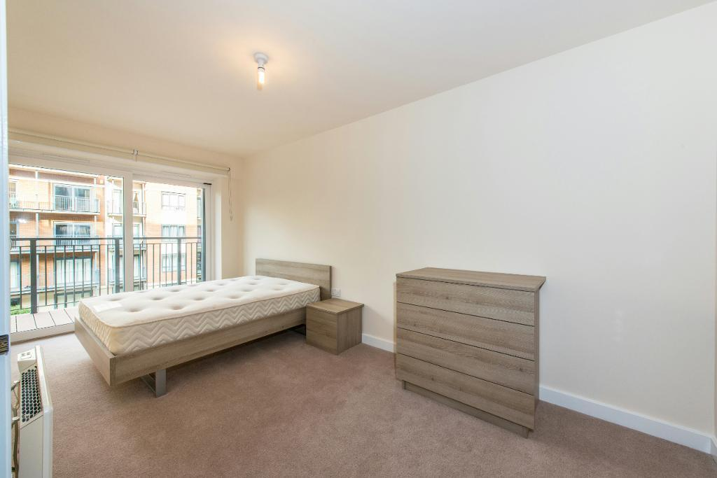 2 bedroom flat in Beaufort Park, Carvell House, Colindale NW9