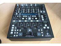 Behringer DDM 4000 DJ Pro Mixer