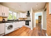 3 Bedroom Furnished Apartment to Let on Spencer Road, Chiswick