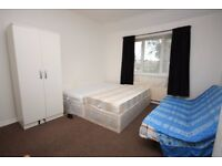 A spacious double, located close to White City, East Acton Central Line!