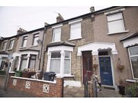 *LARGE 2/3 BEDROOM HOUSE* 2 Bedroom 2 Reception house available in Chadwell Heath, RM6!