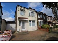 REFURBISHED - 3 BED 2 RECEPTION E.O.T. HOUSE - COLLIER ROW, ROMFORD - WORKING TENANTS ONLY..........