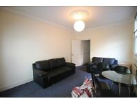 BEAUTIFUL SPACIOUS 3 DOUBLE BEDROOM GARDEN FLAT NEAR ZONE 2 TUBE, TRAIN, 24 HOUR BUSES & SHOPS