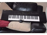 YAMAHA PSR-50 KEYBOARD WITH POWER ADAPTER/CAN BE SEEN WORKING