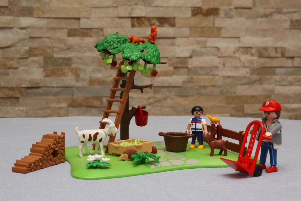 Playmobil Apple Harvest Set (4146) in great condition