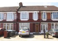 GREAT LOCATION FOR SHOPS AND STATION*One double bedroom*First floor flat*Palmers Green N13