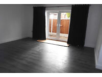 AMAZING ONE BED FLAT AVAILABLE ON LITTLEOVER LANE ALL BILLS INC 635 PCM