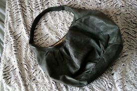 Big leather bag in good condition - GREY