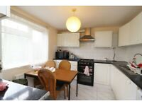WHITECHAPEL, 2/3 BED, FURNISHED, BALCONY, PARKING, COUPLES PROFESSIONALS, £380 PW
