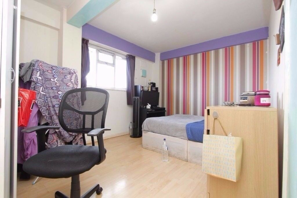 NICE AND CHEAP DOUBLE ROOM CLOSE TO VICTORIA STATION , CALL 07449731834