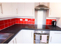 1 Room in beautiful sunny house, Very close to QA! Dersingham Close, PO6