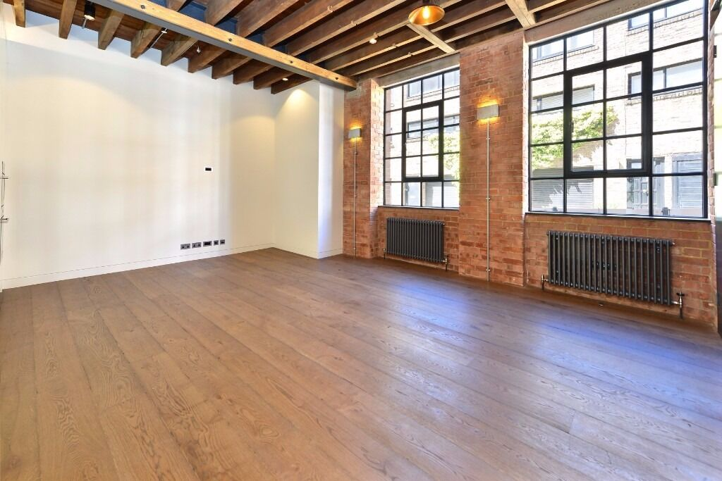 JEFFREYS PLACE, NW1: SPACIOUS 2 DOUBLE BEDROOM LOFT STYLE FLAT, PRIVATE GARDEN, VERY LIGHT THOUGHOUT