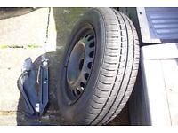 Car Jack + spare wheel with tyre