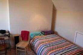 Comfortable double bed room for rent now****nice