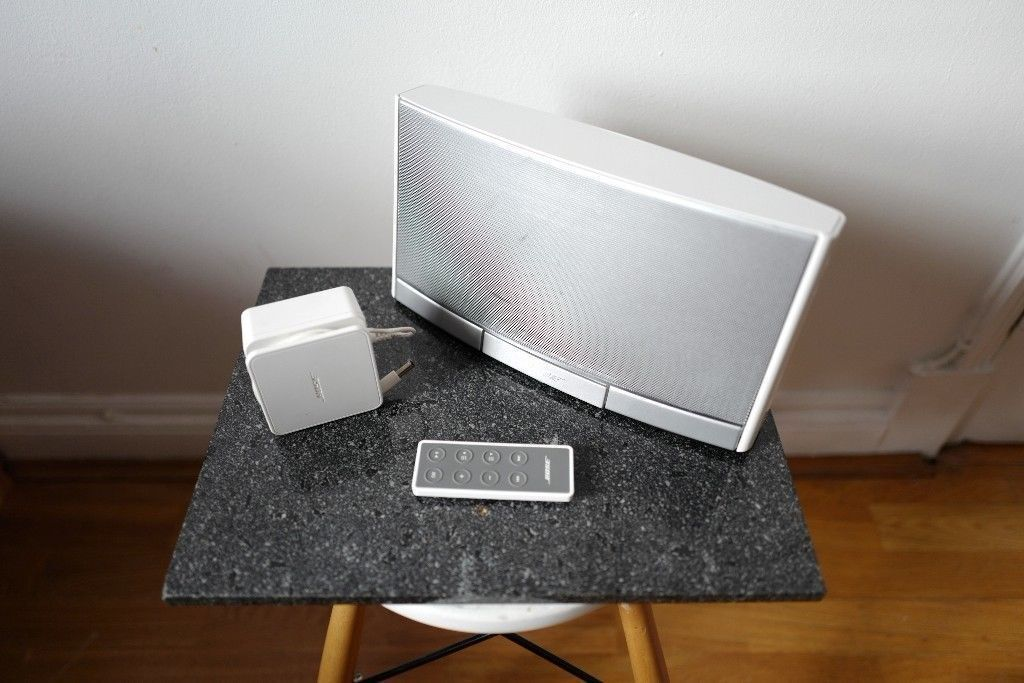 Bose SoundDock Portable Speaker With Wireless Bluetooth connection Dongle Sound Dock Soundlink £150