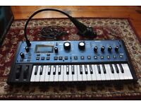 Novation MiniNova 37-Key Synthesizer with Vocoder