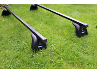 Thule roof bars (753 footpack & 760 Square bars) with bike cariers and Pacific 500 Roof Box