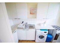 **ALL INCLUDED** Double room for rent in modern and spacious property in MILE END , Zone 2!