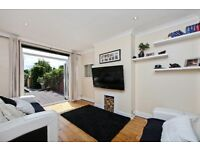 Bushey Rd Raynes Park. Superb, Spacious 4 Bed House. Garden. Garage. 2 Bathrooms. Low Fees.