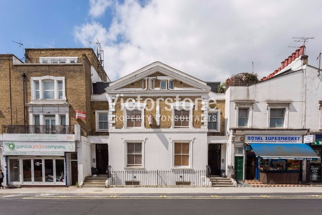 2 studios available in this stunning Period Conversion