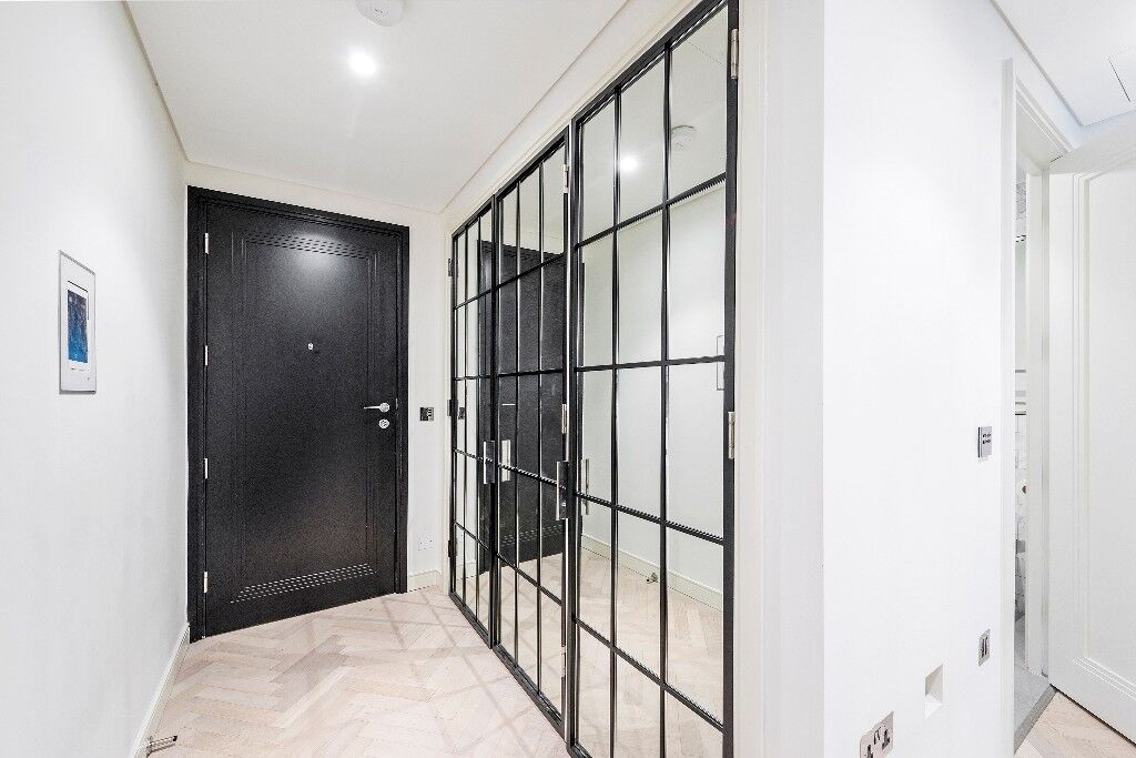 Stunning 1 bedroom apartment in this converted 1930's Art Deco cinema
