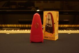 New Wittner piccolo cerise pink metronome