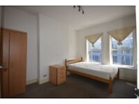 1 BED FLAT ON THIRD FLOOR ON CHURCHFIELD ROAD, ACTON. CLOSE T ACTON HIGH STREET AND TRANSPORT.