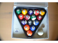 Stripe pool ball set