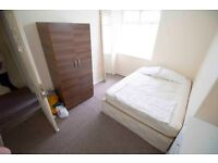 Double room to rent in fully furnished house in Acton