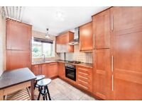 SPACIOUS & WELL-PRESENTED 2 DOUBLE BEDROOM APARTMENT CLOSE TO RICHMOND