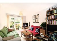 Homely 1 Double Bedroom Flat- Private Garden- Good Value- £305pw- Close to CJuntion & Wworth Town!