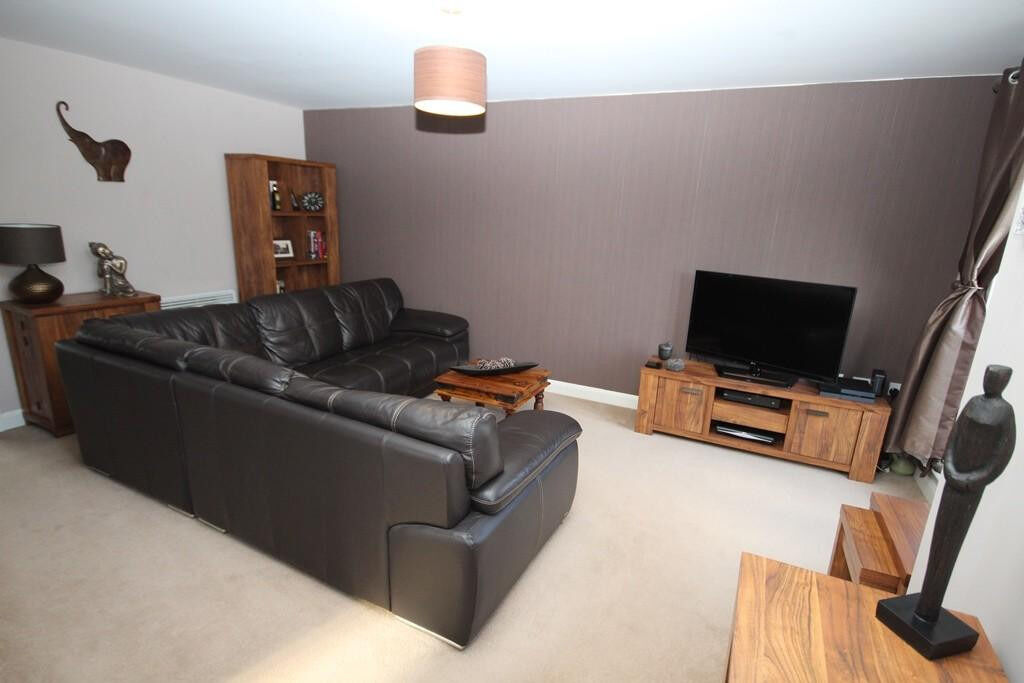 Newly decorated 1 Bedroom flat in Gants Hill