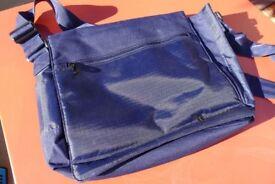 IT Luggage Messenger Bag (New)