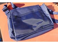 IT Luggage Messenger Bag (New)
