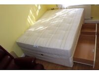CAN DELIVER - KING SIZE BED WITH 4 DRAWERS AND SLUMBERLAND MATTRESS IN VERY GOOD CONDITION