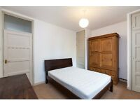 @ CHARMING ONE BEDROOM FIRST FLOOR APARTMENT IN THE STUNNING CHATSWORTH ESTATE E5 - MUST VIEW!