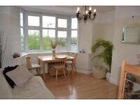 2 bedroom flat in Sherwood Hall, East End Road, East Finchley, N2